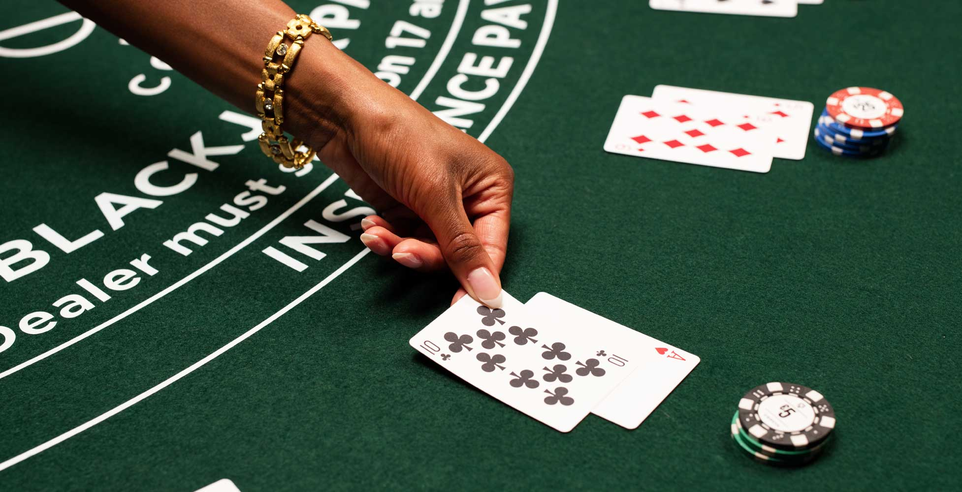Blackjack en ligne: de l'entrainement d'abord
